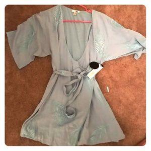 Dresses & Skirts - NWT yteicosamuse wrap dress size XS